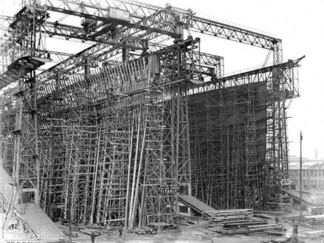 Titanic and Olympic under construction, 1910.